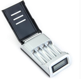 4SlotsLCDDisplaySmartIntelligent Battery Charger voor AA / AAA NiCd NiMh oplaadbare batterijen_