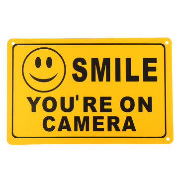 2Pcs SMILE JE IS OP CAMERA Waarschuwingsbeveiliging Yellow Sign CCTV Video Surveillance Camera Sticker 28x18cm